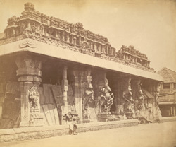 Entrance to the Pudu Mandapa, Minakshi Sundareshvara Temple, Madurai